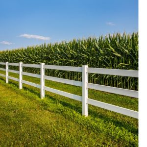 a fence that illustrates how healthy boundaries work